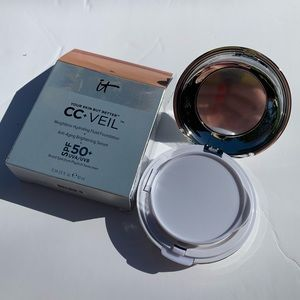 IT CC VEIL Anti-aging Hydrating Foundation compact